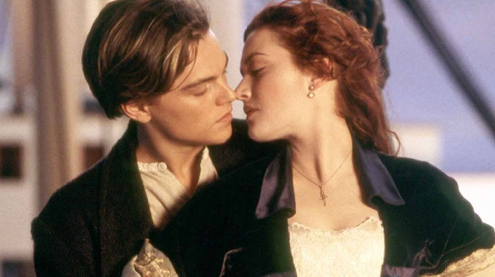 Jack and Rose about to kiss in Titanic