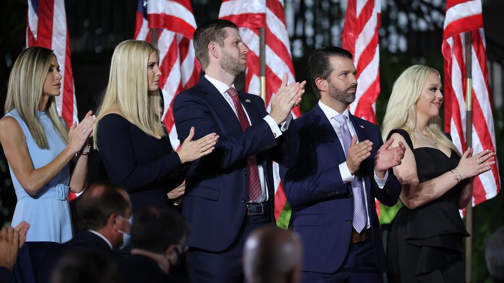 Ivanka, Eric, Don, and Tiffany Trump clapping