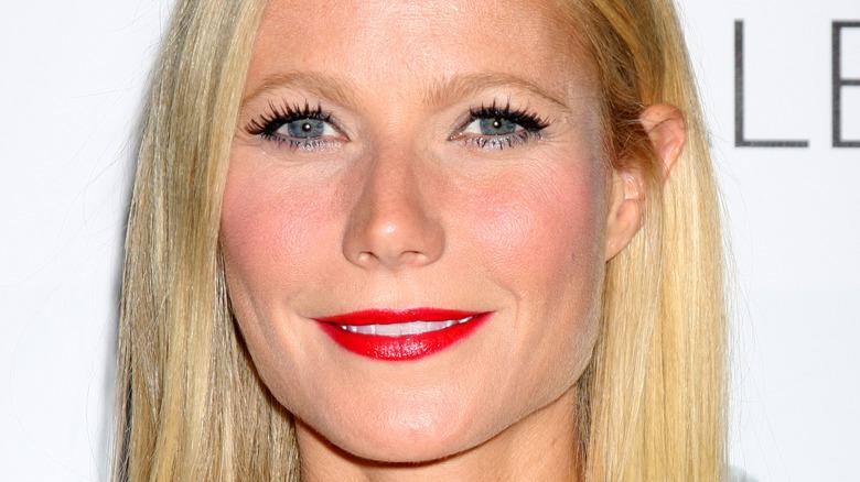 Gwyneth Paltrow red lip