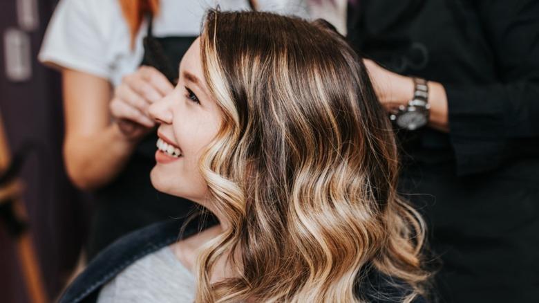 haircut highlights salon woman