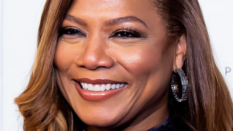 Queen Latifah smiling red carpet