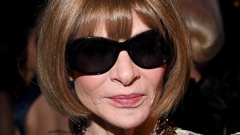 Anna Wintour in big sunglasses