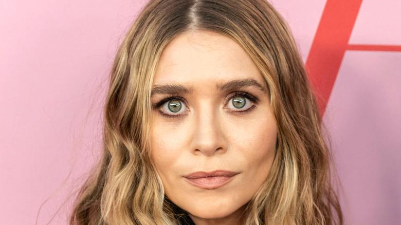 Ashley Olsen posing