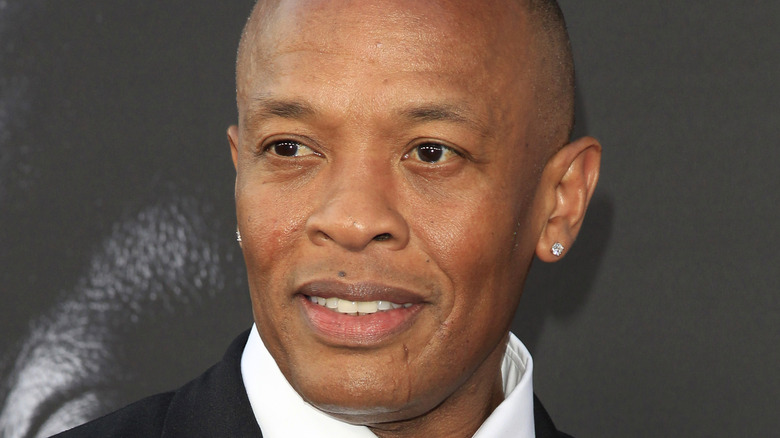 Dr. Dre posing on the red carpet