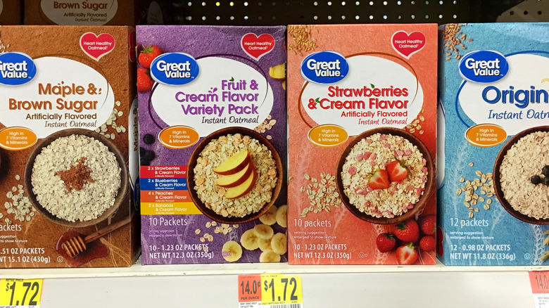 Generic cereals on a store shelf