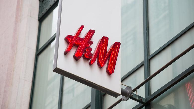 H&M storefront sign