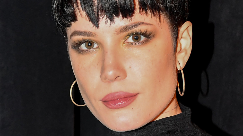 close up of Halsey with dark hair