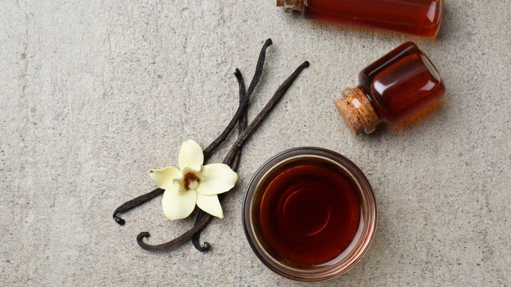 Vanilla extract and a vanilla flower