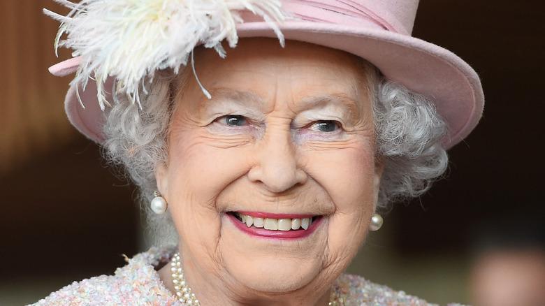 Queen Elizabeth pink hat