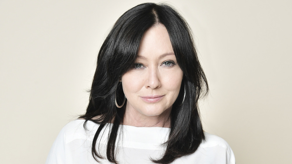 Shannen Doherty smiling