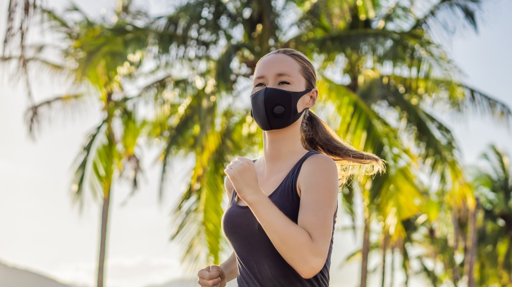 Running with a mask during a pandemic