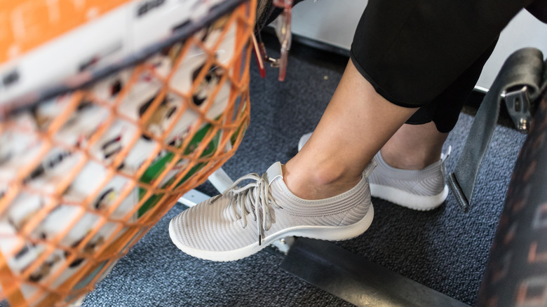 Leg space on a plane