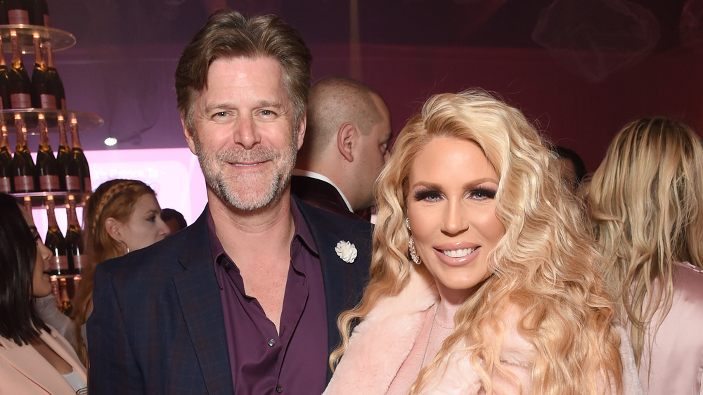 Slade Smiley and Gretchen Rossi at a red carpet event