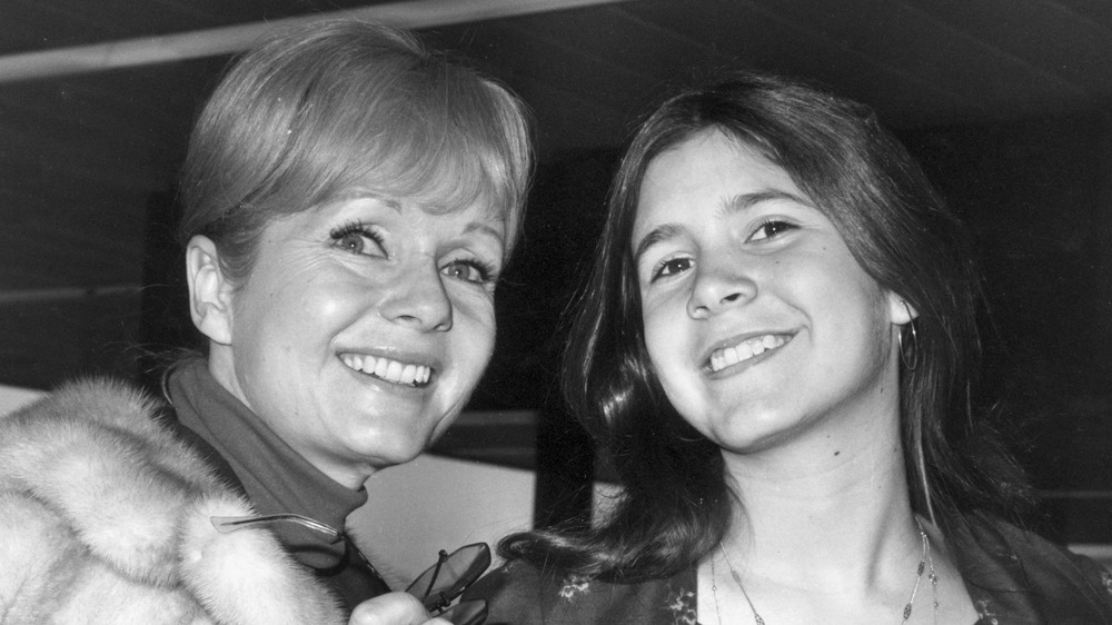 Black and white photo of Carrie Fisher & Debbie Reynolds