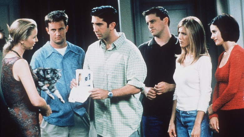 Cast of 'Friends' posing