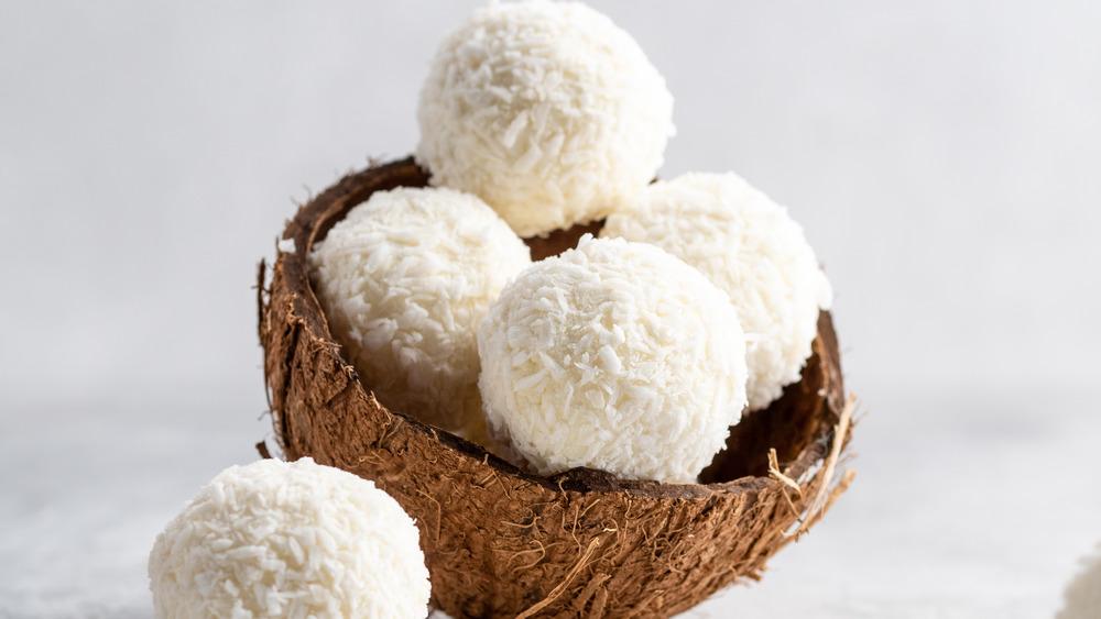 Sugar-free coconut balls