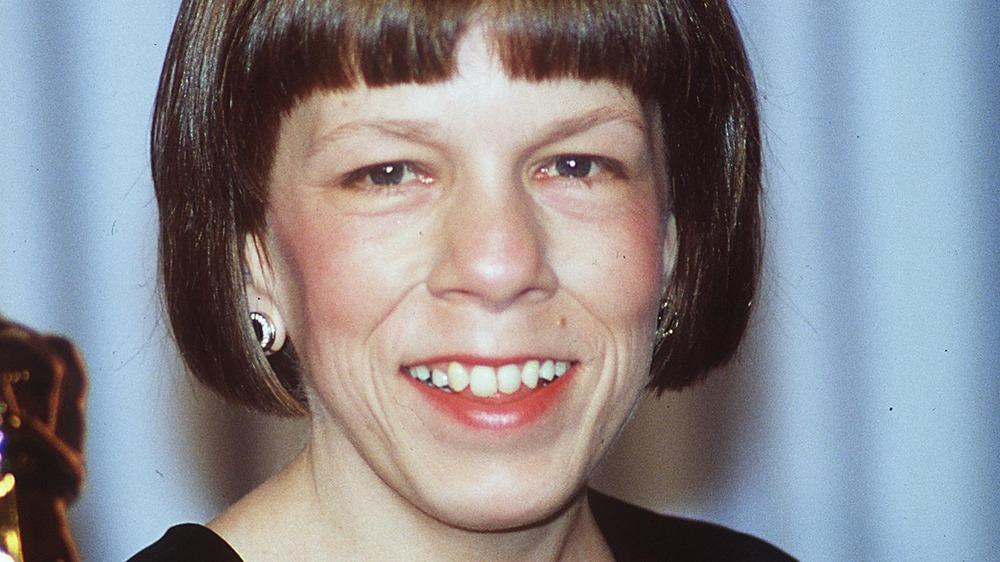 Linda Hunt smiling