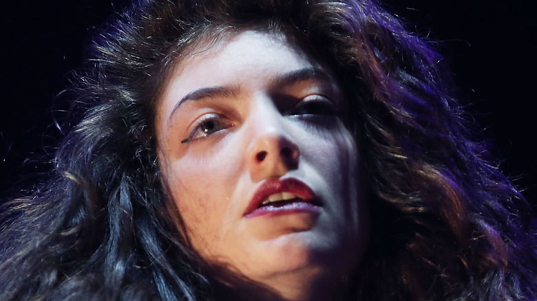Lorde performing close-up