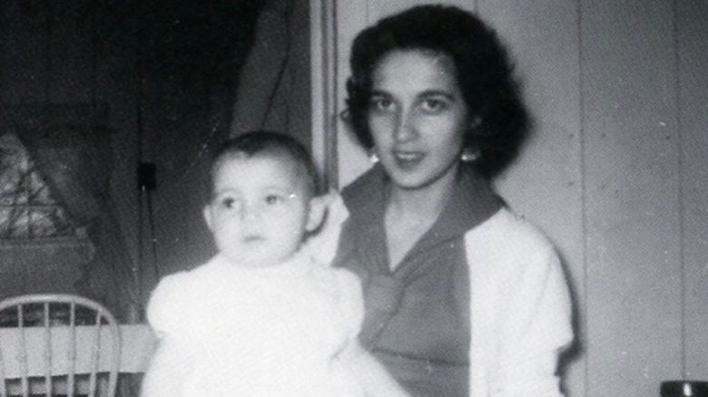 baby Vanna White with her mother