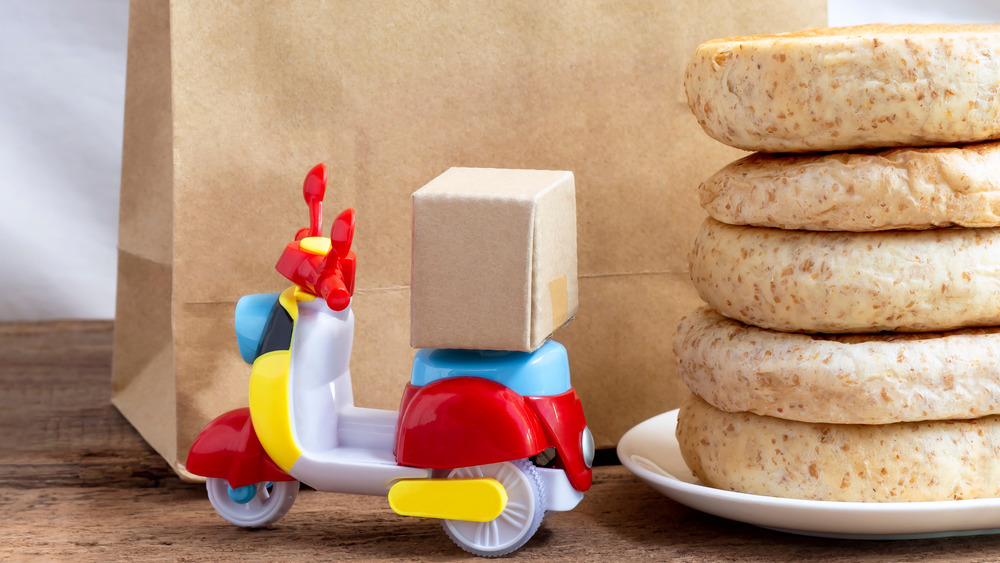 Toy scooter food delivery