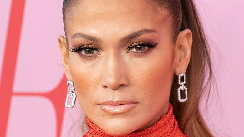 Jennifer Lopez high pony