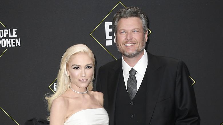 Blake Shelton and Gwen Stefani at an awards show