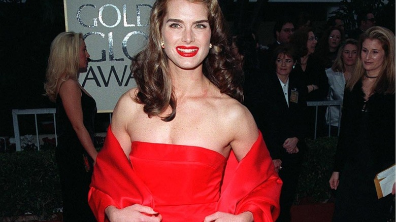 Brooke Shields at the 1998 Golden Globes wearing red dress