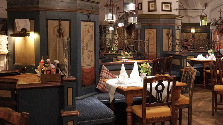 Old world decor in a dining room