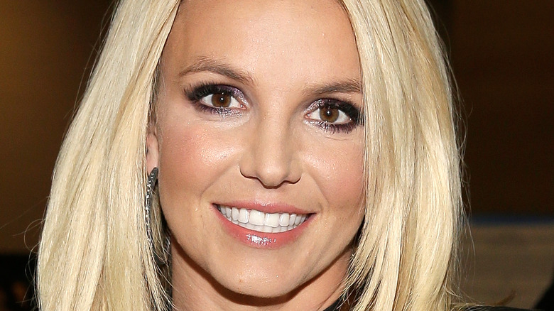 Britney Spears smilingon the red carpet
