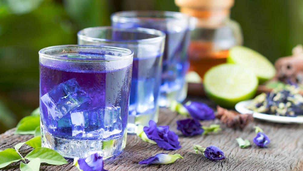 Butterfly pea flower drink