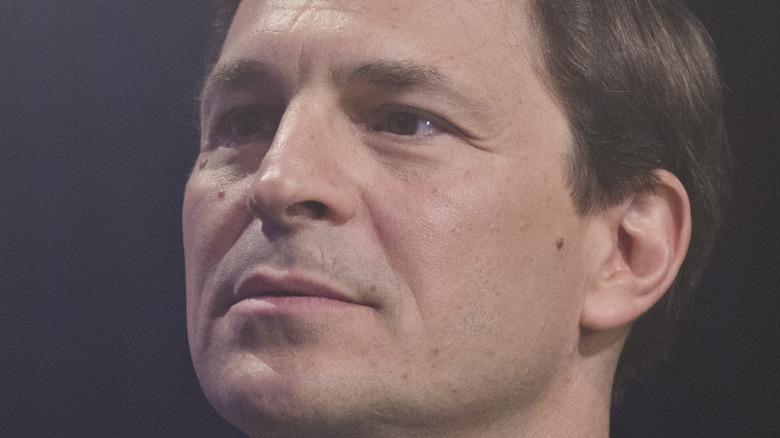 David Faber staring sternly