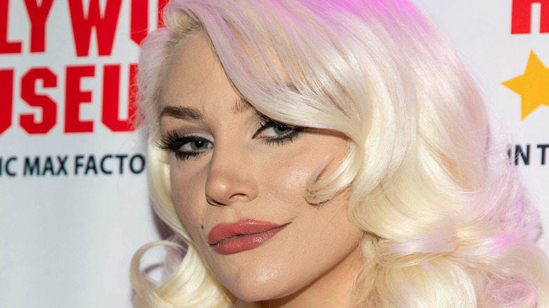 Courtney Stodden posing at event