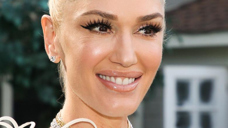 Gwen Stefani in artsy top