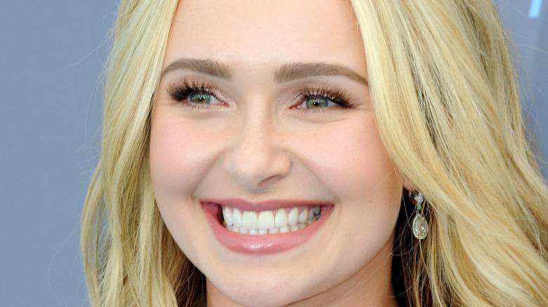 Hayden Panettiere smiling
