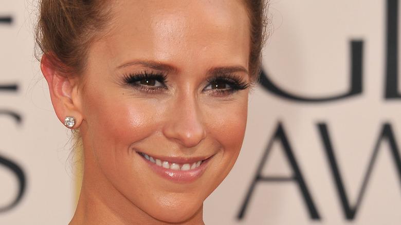Jennifer Love Hewitt smiling