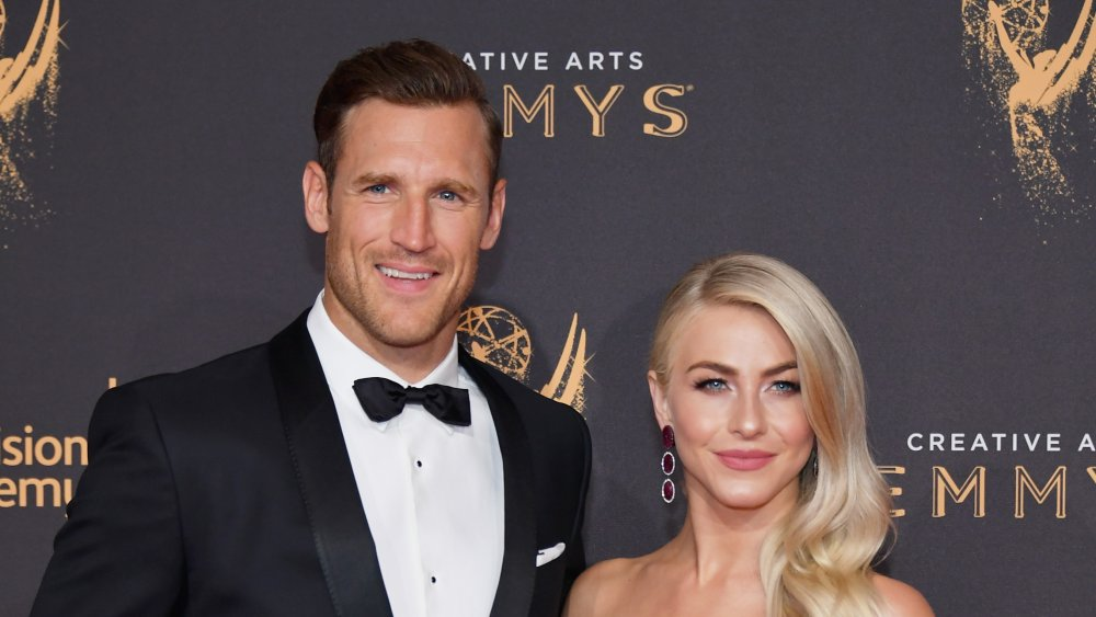 Brooks Laich and Julianne Hough at the 2017 Creative Arts Emmy Awards