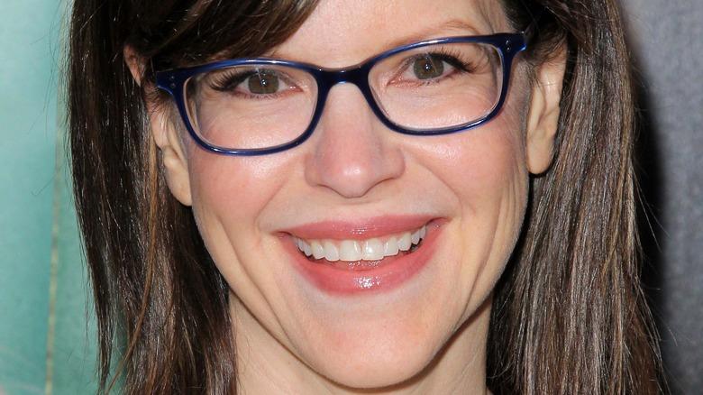 Lisa Loeb wearing glasses