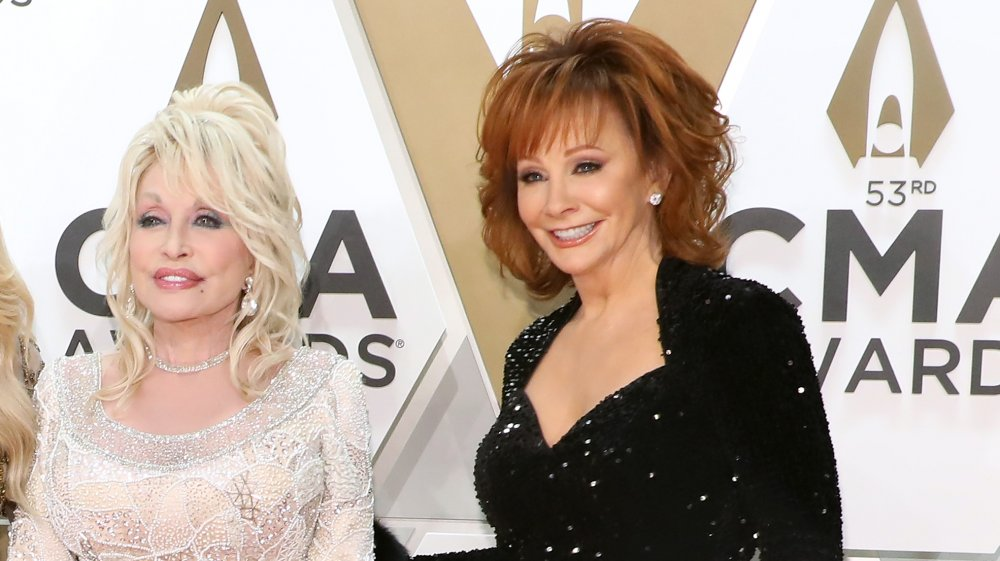 Reba and Dolly on the red carpet
