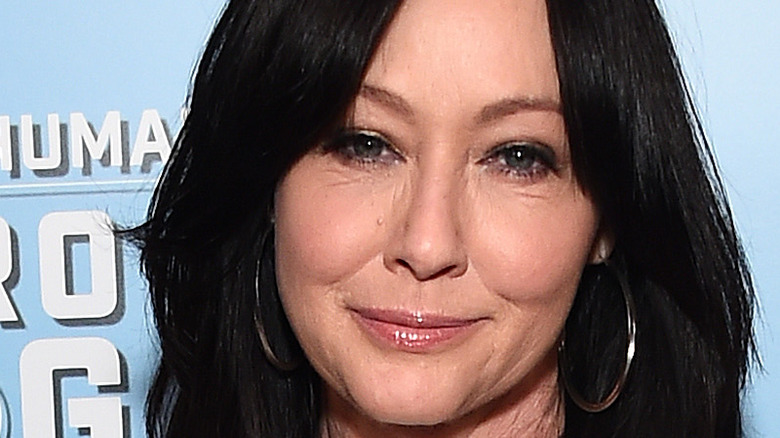 Shannen Doherty smiling at an event