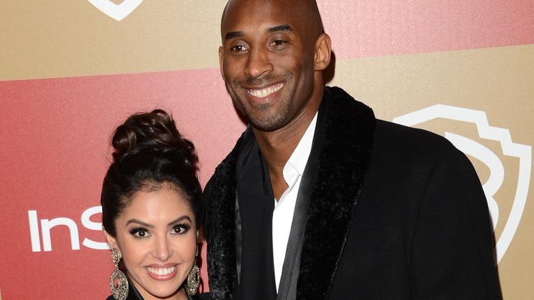 Kobe Bryant and Vanessa Bryant posing