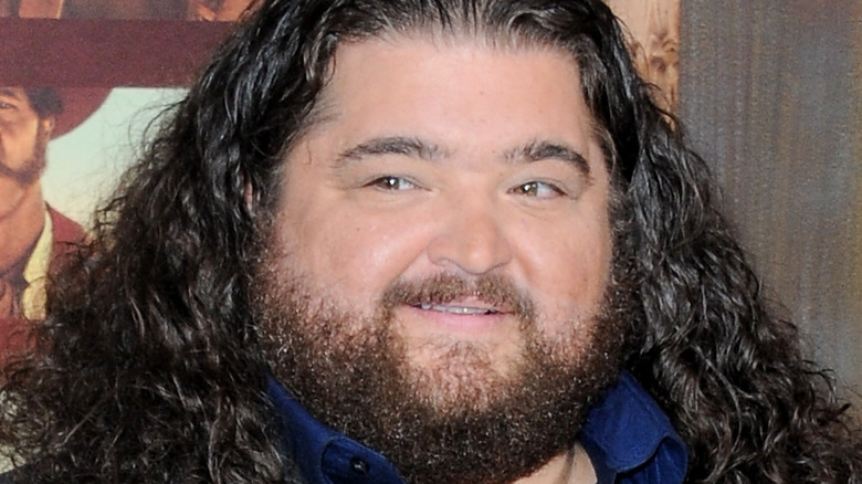 Jorge Garcia poses on the red carpet
