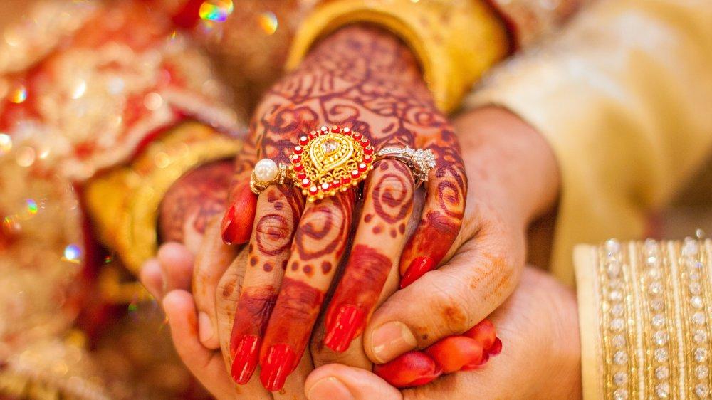 Henna tattoos at Indian wedding