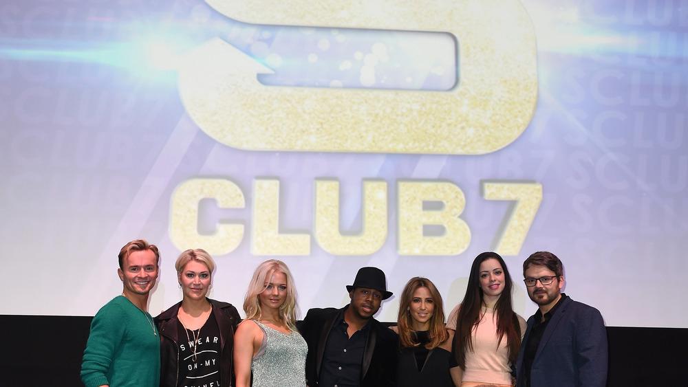 S Club 7 posing
