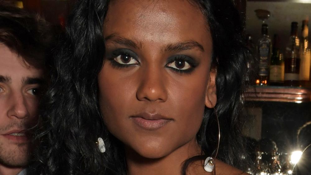 Simone Ashley, close-up