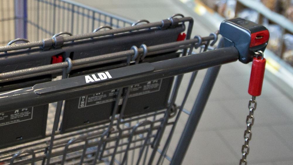Aldi shopping cart with quarter