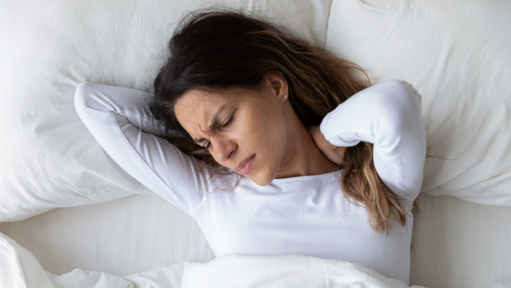 Neck pain in bed