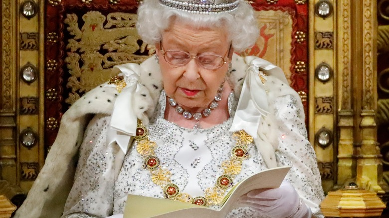 Queen Elizabeth reading