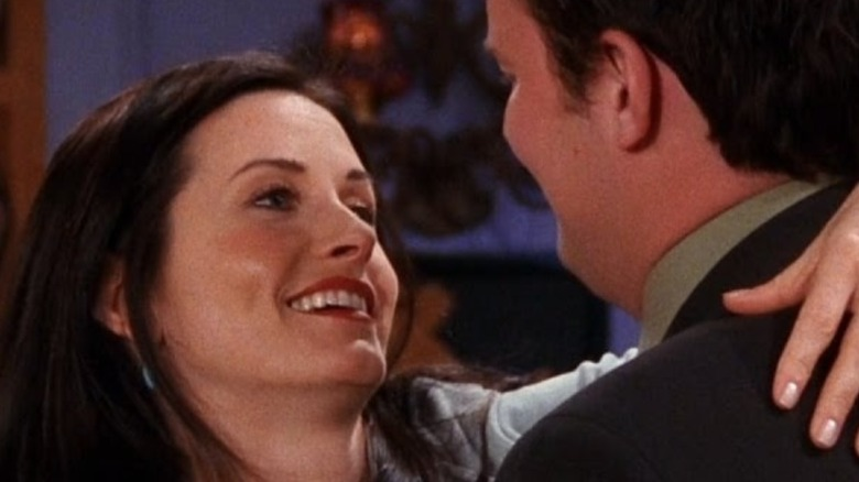 """Chandler and Monica in """"Friends"""" close-up"""