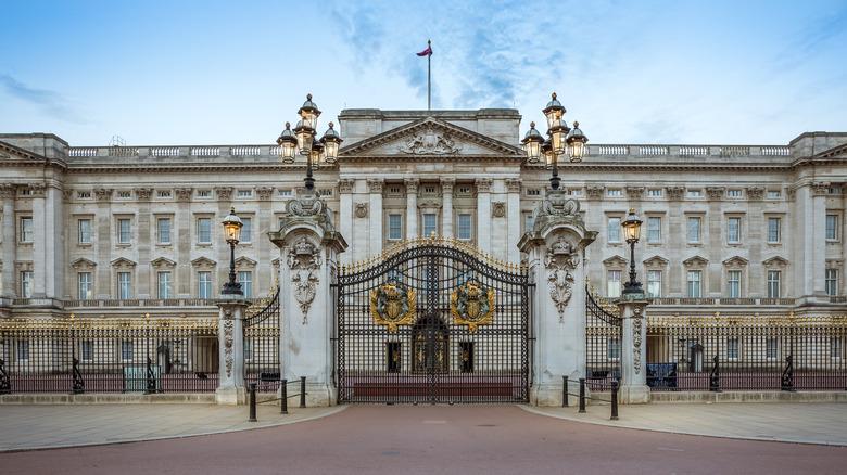 Close up of Buckingham Palace