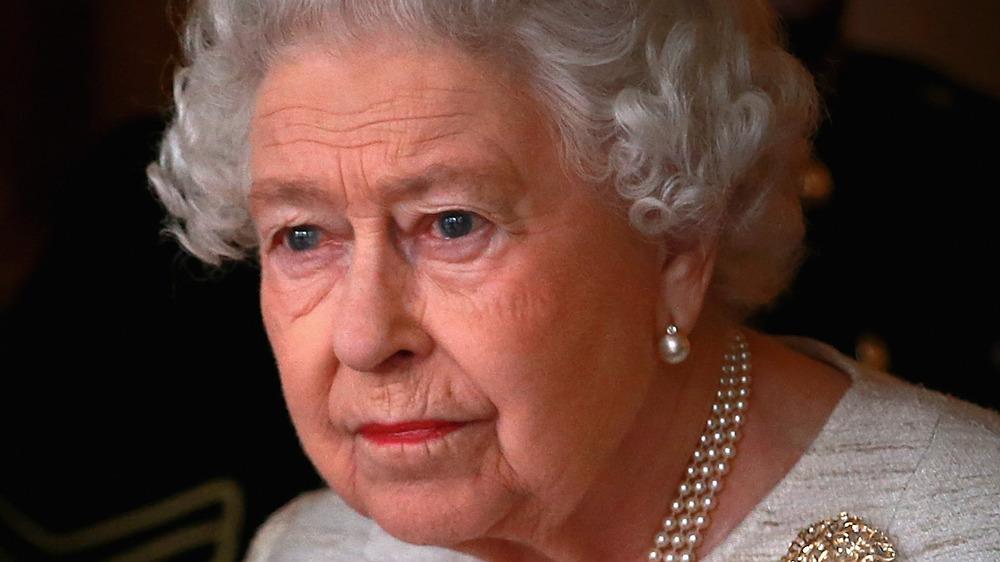 Queen Elizabeth II wearing perals